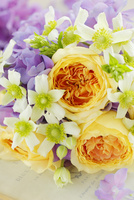 バラとあじさいと夏咲アネモネのブーケ
