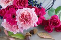 ピンクバラとガーベラのブーケ