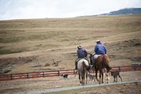 パタゴニアの大草原の牧場(エスタンシア)の牧童(ガウチョ)