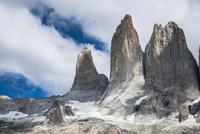 パタゴニア・パイネ国立公園のトーレスデルパイネ峰