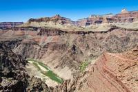 グランドキャニオンの渓谷とコロラド川 02798000437| 写真素材・ストックフォト・画像・イラスト素材|アマナイメージズ