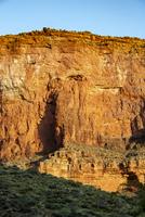 グランドキャニオンの岸壁に照る朝日 02798000446| 写真素材・ストックフォト・画像・イラスト素材|アマナイメージズ