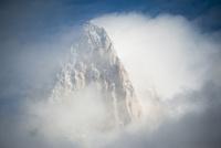 パタゴニアの名峰フィッツロイの山頂 02798000457| 写真素材・ストックフォト・画像・イラスト素材|アマナイメージズ