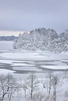 湖の雪模様(裏磐梯)