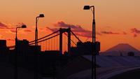 市場前駅から撮る富士山 02821000039  写真素材・ストックフォト・画像・イラスト素材 アマナイメージズ