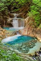 西沢渓谷の七ツ釜五段滝 02822000064| 写真素材・ストックフォト・画像・イラスト素材|アマナイメージズ