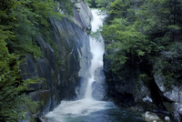 昇仙峡の仙娥滝 02822000067| 写真素材・ストックフォト・画像・イラスト素材|アマナイメージズ