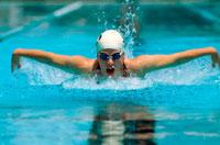 水泳 05004001204  写真素材・ストックフォト・画像・イラスト素材 アマナイメージズ