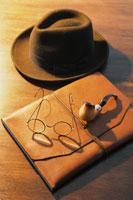 眼鏡と帽子とパイプ