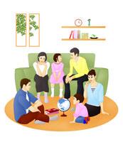 ソファに座り話し合う3世代ファミリー