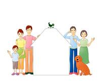 家を囲み笑顔の三世代ファミリーと犬 07045000122| 写真素材・ストックフォト・画像・イラスト素材|アマナイメージズ