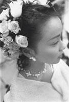 ウェディングドレスの女性アップ 07092000453| 写真素材・ストックフォト・画像・イラスト素材|アマナイメージズ