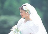 ウェディングドレスの女性 07092000982| 写真素材・ストックフォト・画像・イラスト素材|アマナイメージズ