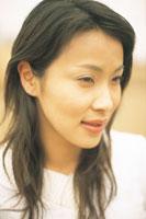 女性アップ 07092001321| 写真素材・ストックフォト・画像・イラスト素材|アマナイメージズ