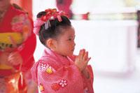 七五三和装の女の子