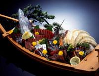 鰹の刺身船盛り