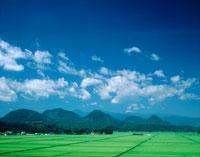 七ッ森と田園風景