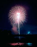 花火大会 20005002814| 写真素材・ストックフォト・画像・イラスト素材|アマナイメージズ
