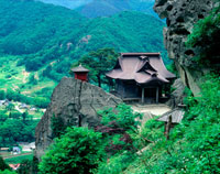 山寺納経堂と開山堂