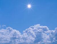 夏空の太陽