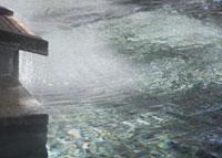 温泉イメージ湯口 20005006430| 写真素材・ストックフォト・画像・イラスト素材|アマナイメージズ