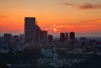 青葉山から望む仙台の朝日 宮城県