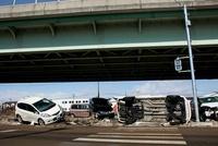 東日本大震災 三井アウトレットパーク仙台港付近の道路