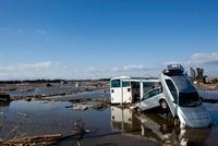 東日本大震災 仙台東部道路名取インター付近 20005010029| 写真素材・ストックフォト・画像・イラスト素材|アマナイメージズ