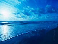 朝日のビーチ