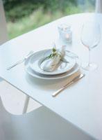 白いテーブルセッティング