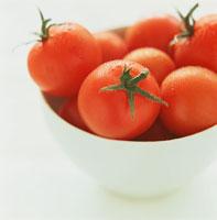 ボールに入ったトマト