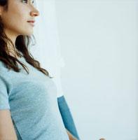 外国人女性の横顔 20010001363| 写真素材・ストックフォト・画像・イラスト素材|アマナイメージズ