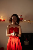 クリスマスイメージ 女性 20010003228| 写真素材・ストックフォト・画像・イラスト素材|アマナイメージズ