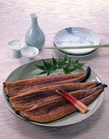 うなぎの蒲焼き(長焼き) 20013001133| 写真素材・ストックフォト・画像・イラスト素材|アマナイメージズ