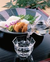 冷酒 20013001261| 写真素材・ストックフォト・画像・イラスト素材|アマナイメージズ