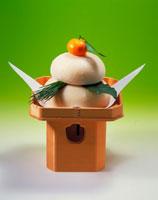 お供え餅 20013003310| 写真素材・ストックフォト・画像・イラスト素材|アマナイメージズ