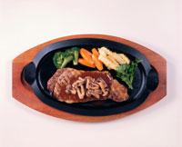 ステーキ 20013009235| 写真素材・ストックフォト・画像・イラスト素材|アマナイメージズ