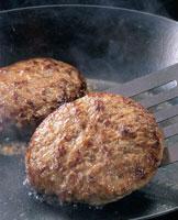 ハンバーグステーキ 20013009256| 写真素材・ストックフォト・画像・イラスト素材|アマナイメージズ