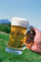 ビール 20013011837| 写真素材・ストックフォト・画像・イラスト素材|アマナイメージズ