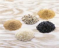 五穀(アラマンス、ハトムギ、あわ、白米、古代米)