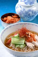 冷麺 20013014370| 写真素材・ストックフォト・画像・イラスト素材|アマナイメージズ
