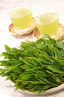 緑茶葉 20013025410  写真素材・ストックフォト・画像・イラスト素材 アマナイメージズ