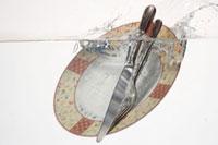 洋皿とカトラリー 20013027121| 写真素材・ストックフォト・画像・イラスト素材|アマナイメージズ