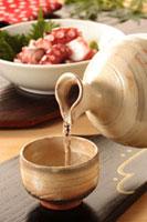 日本酒 20013027329| 写真素材・ストックフォト・画像・イラスト素材|アマナイメージズ