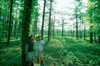 森の中の二人の子供
