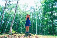 森の中の子供