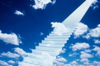 青空と白い階段