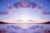 シンメトリーの海 20021000823| 写真素材・ストックフォト・画像・イラスト素材|アマナイメージズ