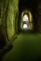 トンネル 20021000886| 写真素材・ストックフォト・画像・イラスト素材|アマナイメージズ