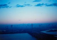 初日の出の空 20021000890| 写真素材・ストックフォト・画像・イラスト素材|アマナイメージズ